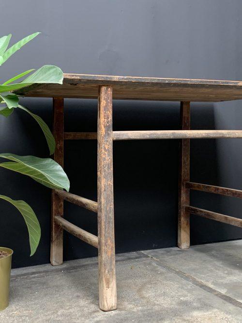 Antiek houten tafeltje