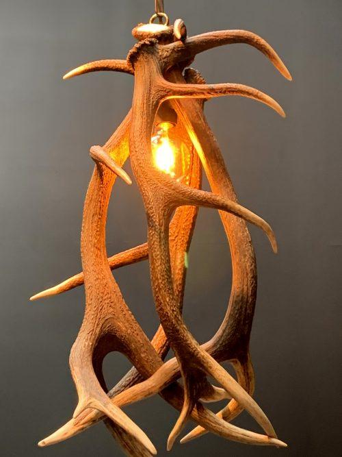 Geweilamp, Hanglamp van edelhertgewei L