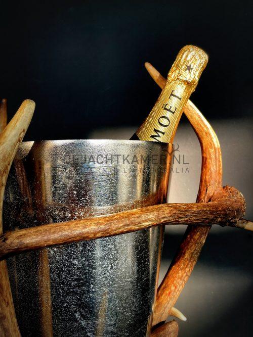 Champagnekoeler van gewei.