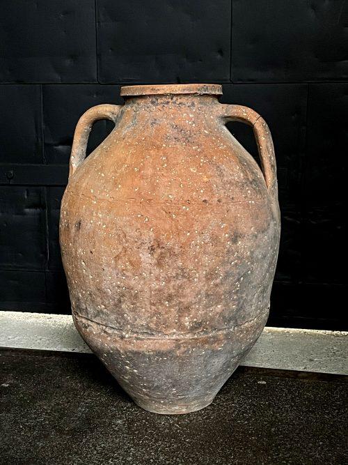 Oude terracotta kruik