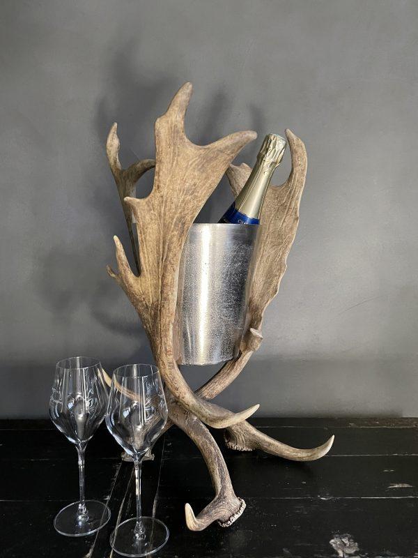 Champagnekoeler van damhertgewei