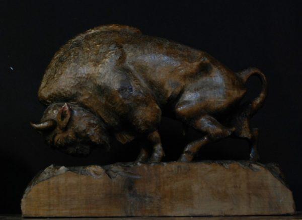 Antieke handgesneden bizons
