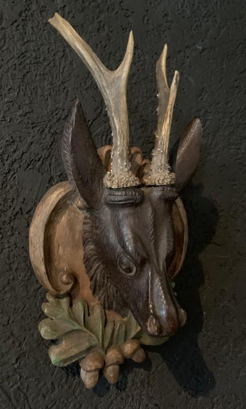 Einzigartiges Set von 3 antikem Reh Kopfen aus Holz und Gips.