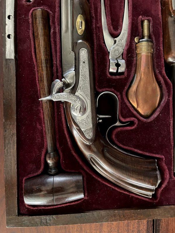 Kist met duelleer pistolen