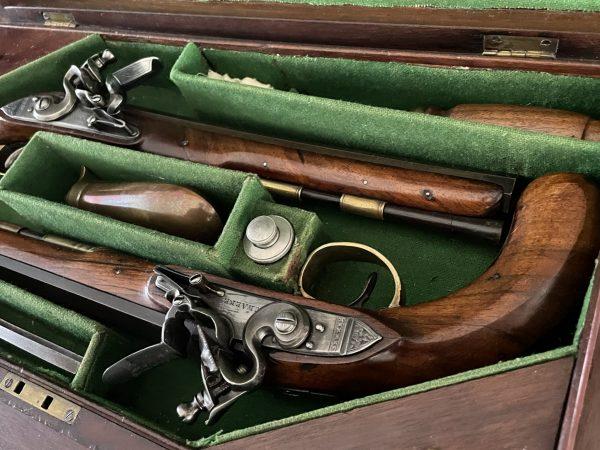 Originele Engelse kist met duelleer pistolen
