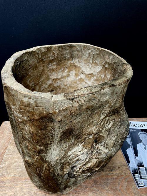 Antieke handgemaakte houten pot